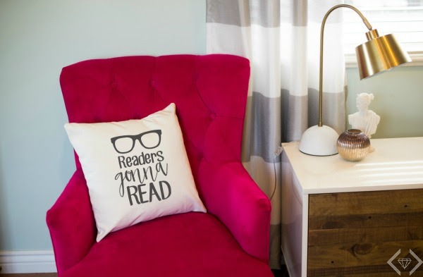 Readers Gonna Read Pillow Cover